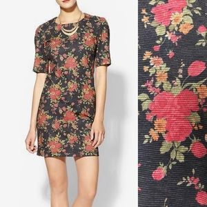 Dresses & Skirts - Rhyme Los Angeles floral shift dress.